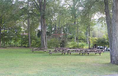 Candlewood Vista picnic tables